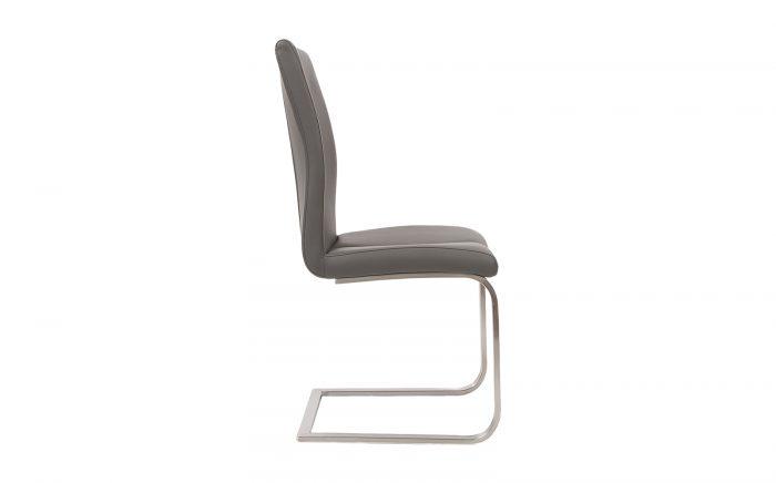 sillas de color negra